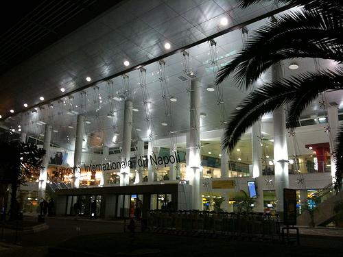 Aeroporto Capodichino : Aeroporto di capodichino info turismo napoli
