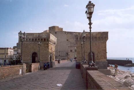 Borgo Marinaro (presso Castel dell'Ovo)