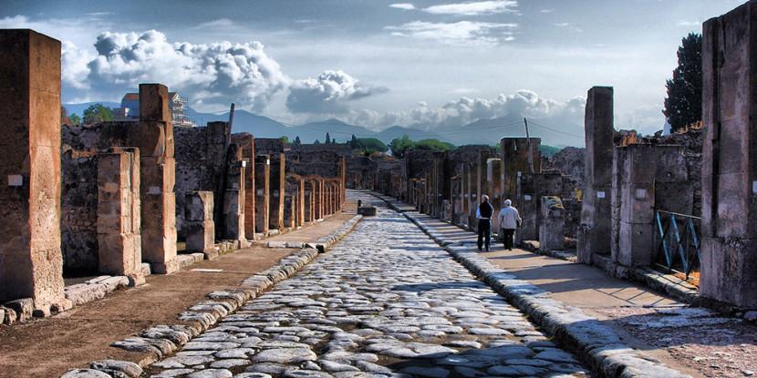 Iniziati i lavori di recupero della Schola Armaturarum di Pompei