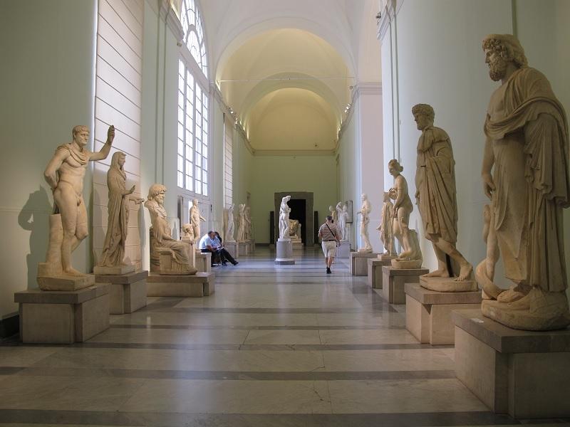 Riapre la sezione egizia del Museo Archeologico di Napoli insieme ai due storici giardini