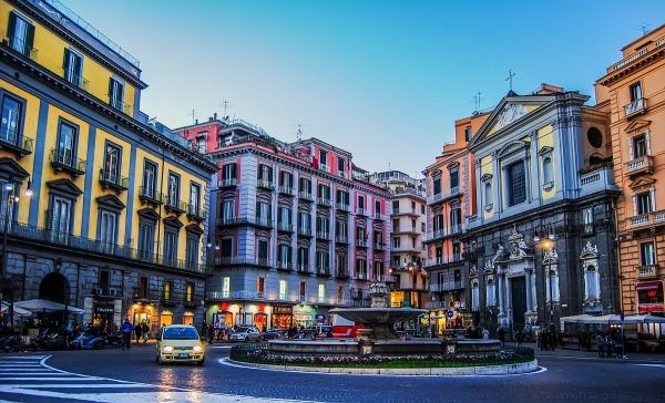 InfoturismoNapoli scende in Piazza – Domenica 8 Maggio 2016