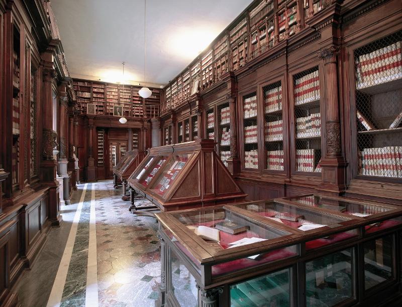 Manoscritti greci e latini della Biblioteca Nazionale di Napoli