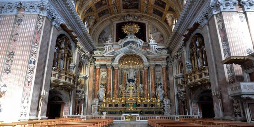 """""""Riaccendiamo il Gesù Nuovo"""": parte la raccolta fondi per la chiesa di Napoli"""