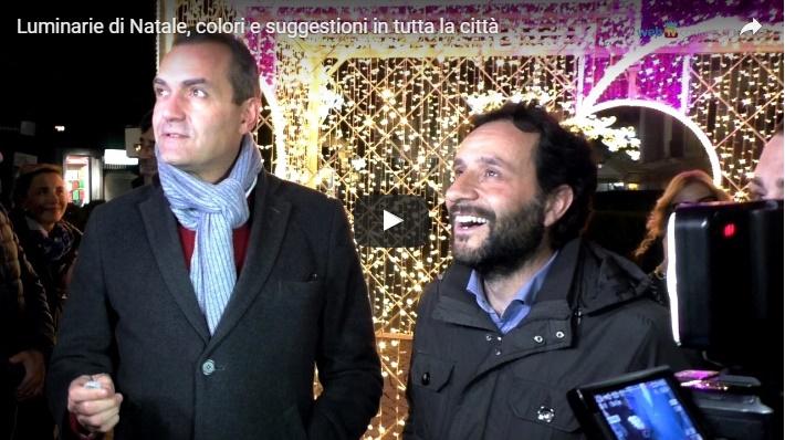 Luminarie di Natale, colori e suggestioni in tutta la città