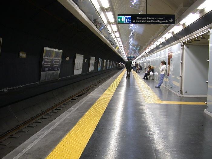 Metro Linea 1 di Napoli: due stazioni cambieranno nome