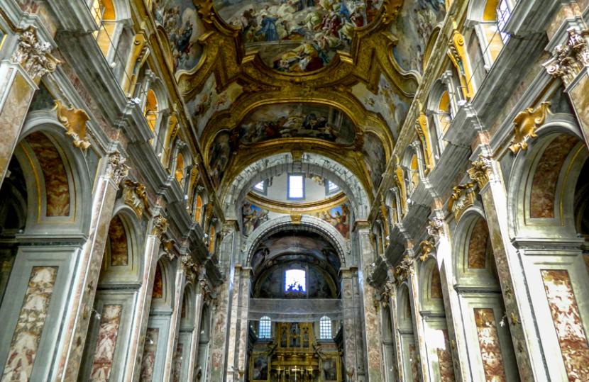 Touring Club, caccia al tesoro per Napoli