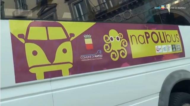 Il naPolibus raddoppia e porta (gratis) gli spettatori a teatro