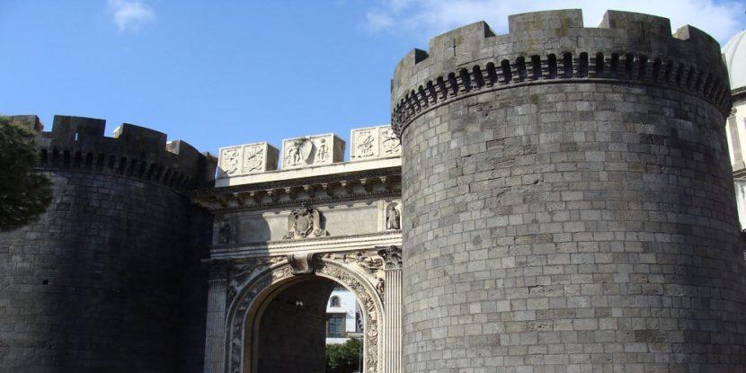 Intrighi e segreti a Porta Capuana
