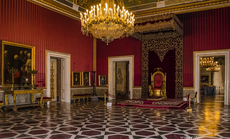 Palazzo Reale di Napoli, torna a splendere la Sala del Trono