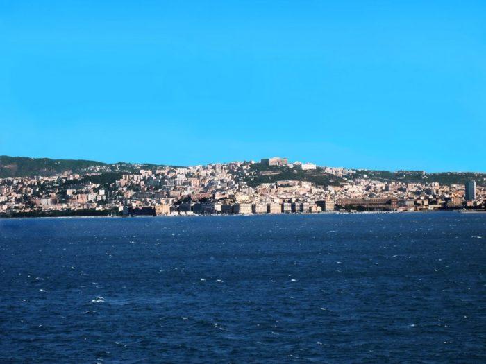 """Alla scoperta della costa: torna il """"Batò Naples"""" per vivere Napoli da un altro punto di vista"""