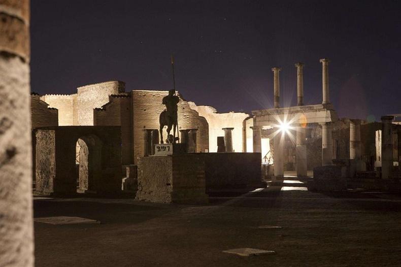 Luci e voci del passato: Pompei rivive anche di notte