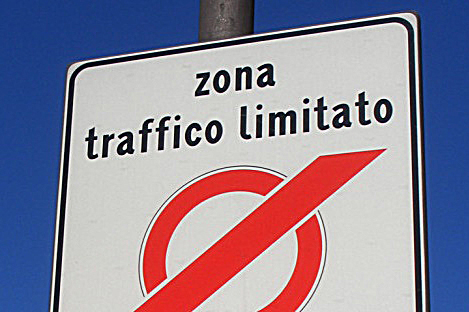 Napoli, divieto di circolazione per ragioni ambientali nel periodo tra il 1° ottobre 2019 e il 31 marzo 2020