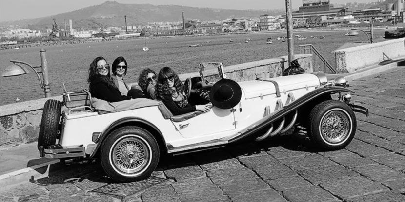 """Napoli da Cartolina"" – Tour in auto d'epoca e shooting fotografico"